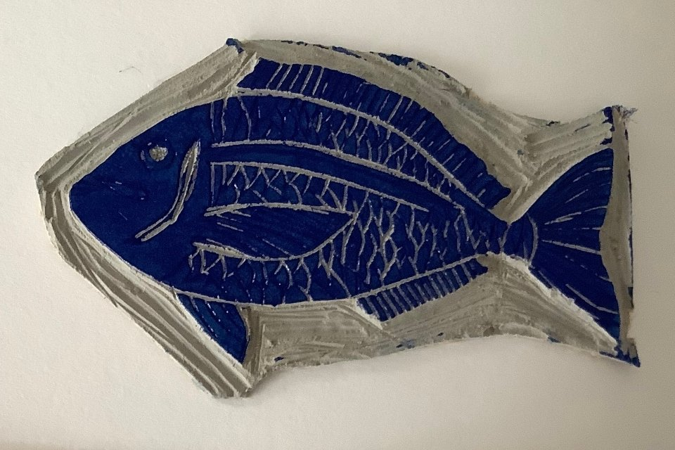 L'art de la linogravure à Istanbul - poisson sur plaque